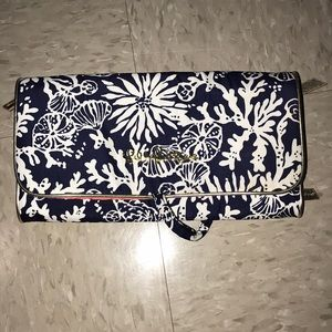 99 off Lilly Pulitzer Handbags NWOT LILLY PULITZER MAKEUP BAG